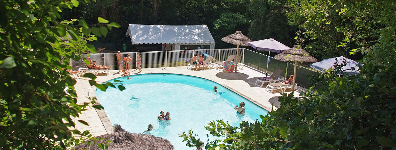 Camping ard che camping le chambourlas flower campings for Camping avec piscine en ardeche