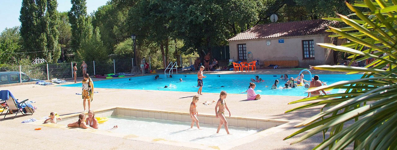 camping-le-provencal-piscine-min.jpg