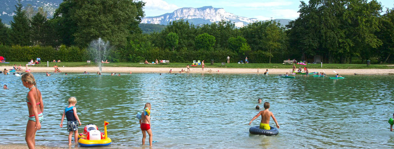 Camping le lac du marandan saint romans 38 is re for Camping dans le vercors avec piscine