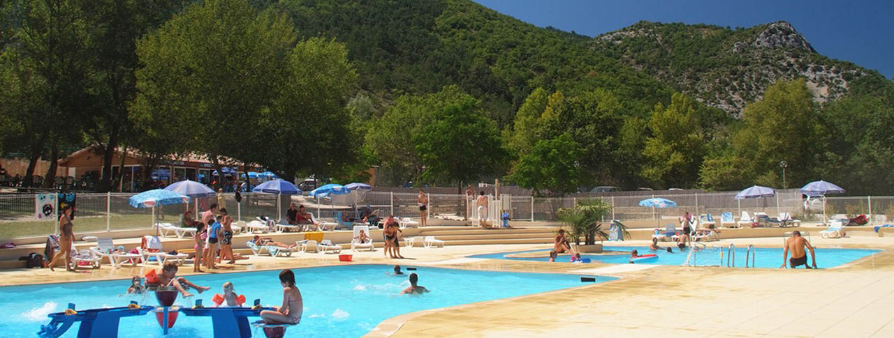 Camping dr me vercors camping les rami res flower for Camping nyons piscine