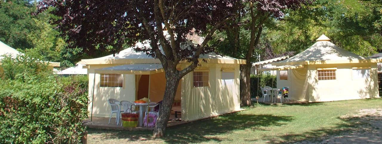 bungalow toil 233 location cing avec tente 233 quip 233 e toil 233 e meubl 233 e