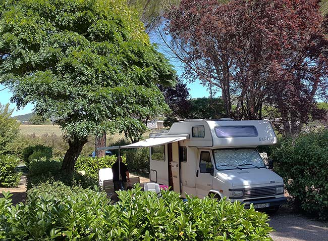 camping-provence-vallee-3.jpg-4