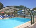 camping Les Capucines piscine couverte extérieure