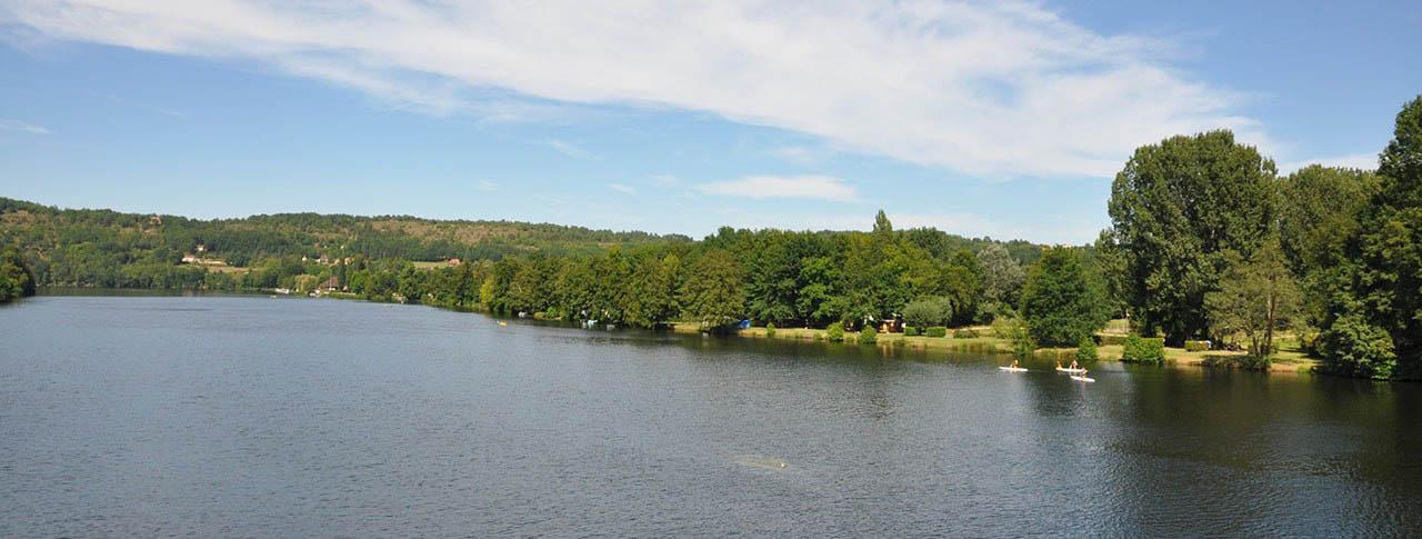 Camping Les Berges de la Dordogne rivière