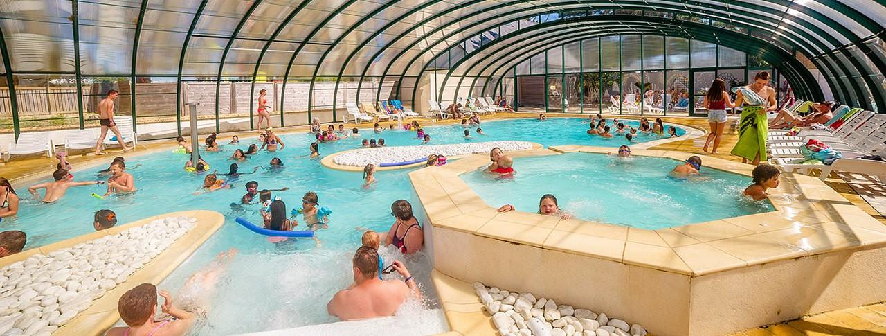 camping Le Moténo piscine couverte chauffée
