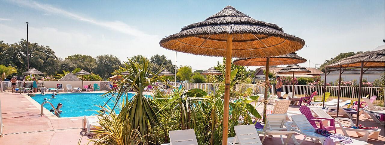 camping Le Domaine de Gajan piscine extérieure