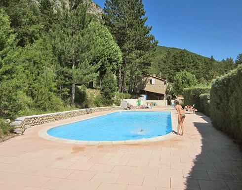 Camping le domaine des 2 soleils serres 05 hautes for Camping alpes de hautes provence avec piscine
