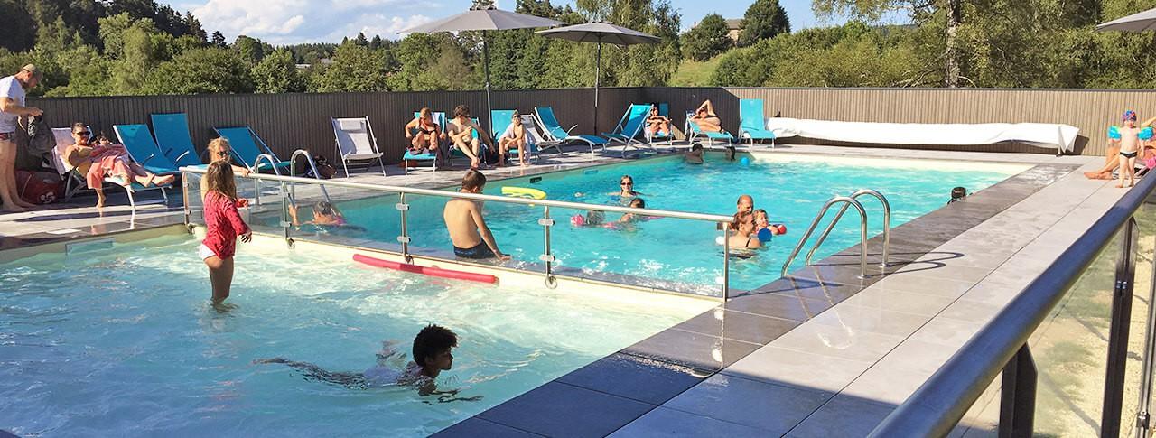 camping-murmures-du-lignon-piscine.jpg