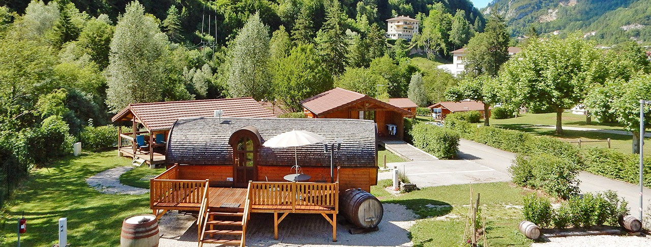 camping-le-martinet-cabanes-roulotte.jpg