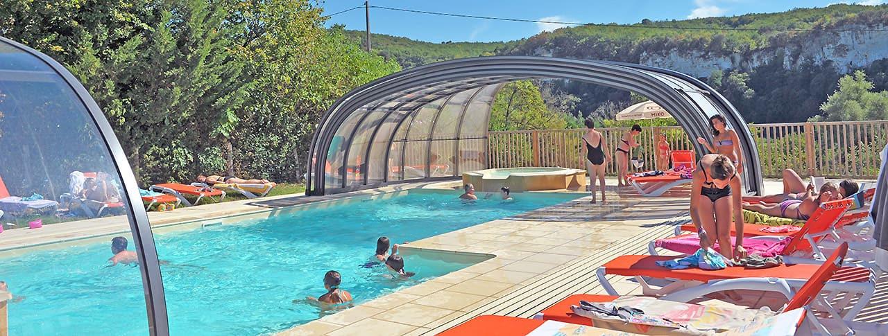 Camping La Sagne Dordogne piscine couverte