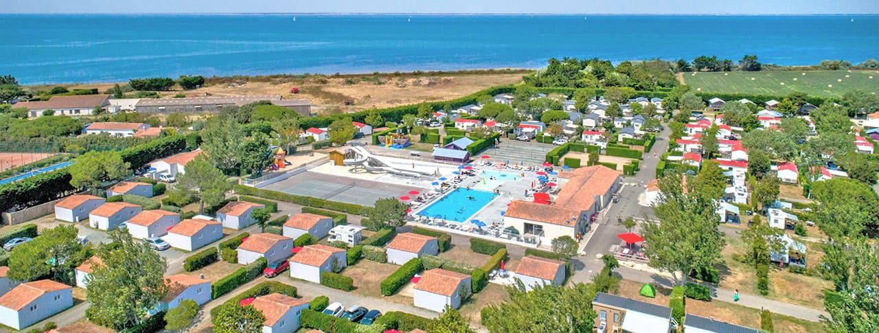 Camping Les Ilates piscine chauffée Loix-en-Ré