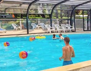 camping du Port Caroline piscine couverte chauffée au Pays de la Loire