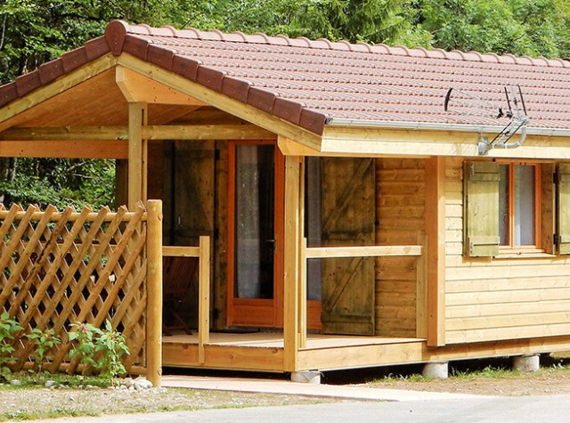 camping Le Martinet chalet en Franche-Comte-3