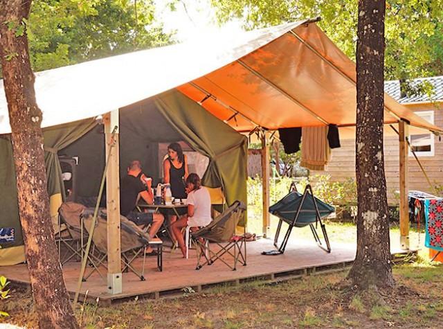 Camping Le Médoc Bleu bungalow toilé freeflower-2