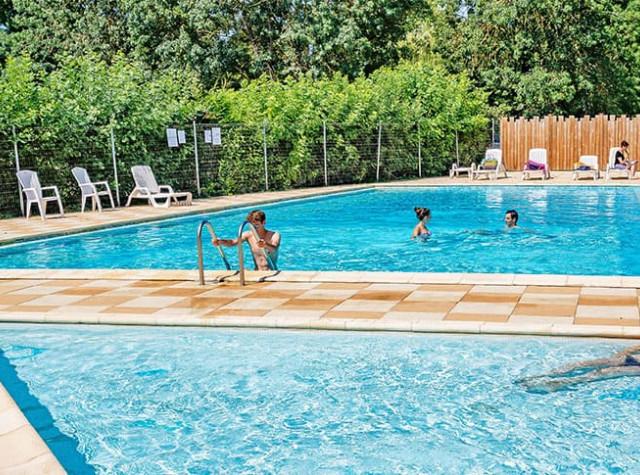 Camping La Promenade piscine-2