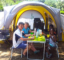 camping-en-tente-equipee-ready-to-camp-3.jpg