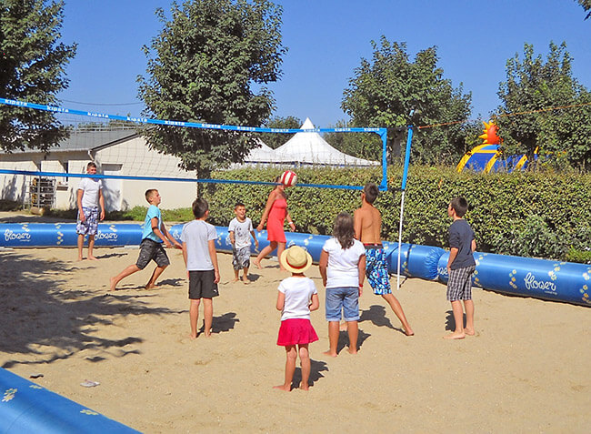camping Les Genêts beach volley-12