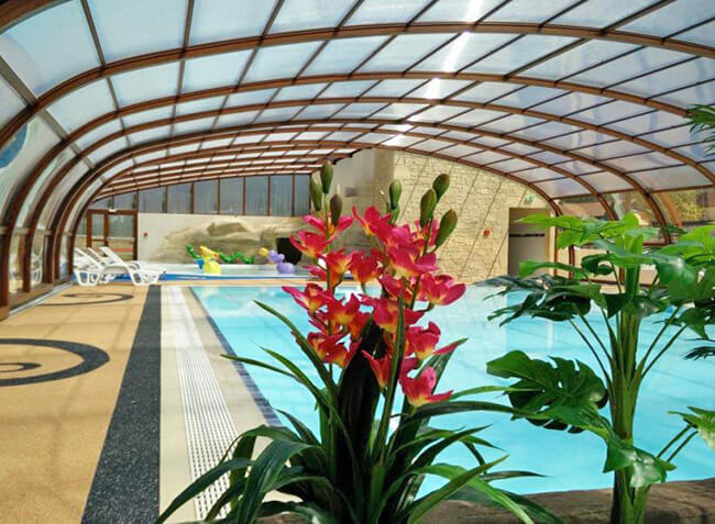 Camping Chataigneraie sarlat piscine couverte-3