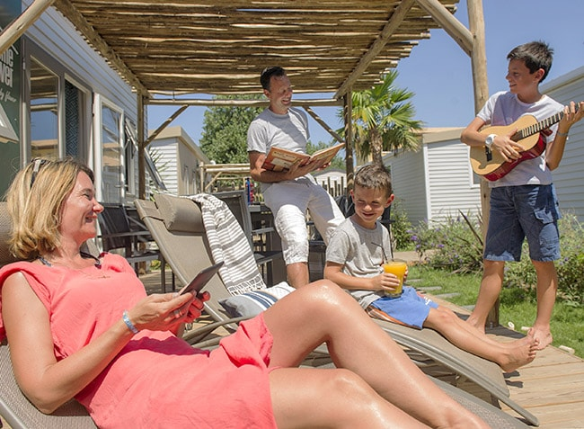 camping-robinson-famille-mobilhome-min.jpg-8